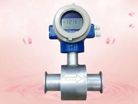 涡街流量计在含气液体流量测量中的试验装置与试验方法