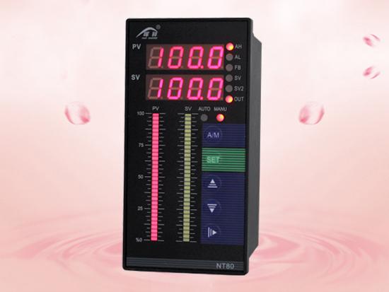 适用于需要进行高精度测量控制的系统,可取代放大器直接驱动执行的机构(如阀位等),集数字仪表与模拟仪表于一体,可对温度、压力、液位、速度等测量信号进行数字量显示控制(高亮度LED数码显示)及相对模拟量显示(光柱显示)